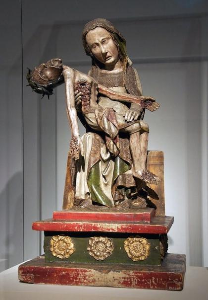 Становление и происхождение скульптурного образа композиции Пьета и его средневековая трактовка. Часть 1.