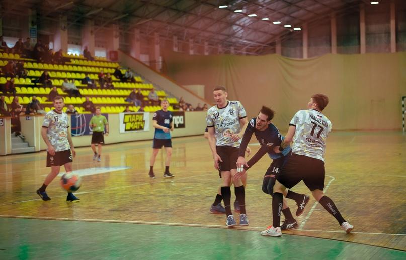 «Динамо» одержали сенсационную победу в матче с командой «Виктор», изображение №1