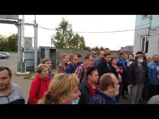 """Мэр Саранска выслушивает претензии работников """"Горэлектротранса""""."""