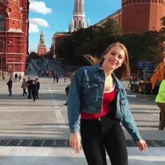 """Kristina on Instagram: """"❤️МОЛОДЫ МЫ❤️ Участвую в конкурсе  😋 .  #молодымы #джиган #краснаяплощадь #redsquare #танцы"""
