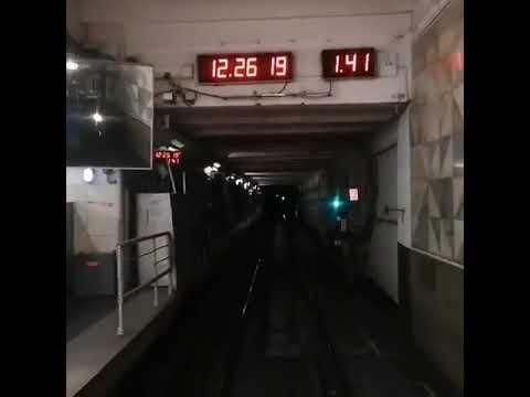 Выезд из оборотного тупика за станцией Планерная из кабины машиниста