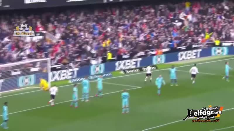 فالنسيا يحرز هدف التقدم في شباك برشلونة