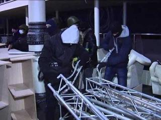 ''Правый сектор'' захватил ''Оплот'' в Харькове