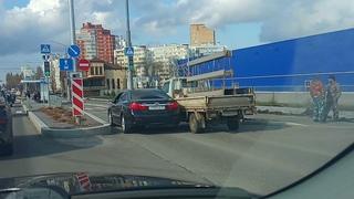 Типичная авария на премудро реконструированной ул. Щорса в Белгороде