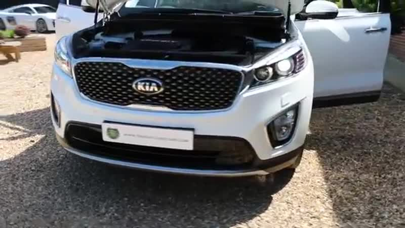 Kia Sorento CRDI KX 3 LSG Automatic in Clear White with Full Black Leather inter