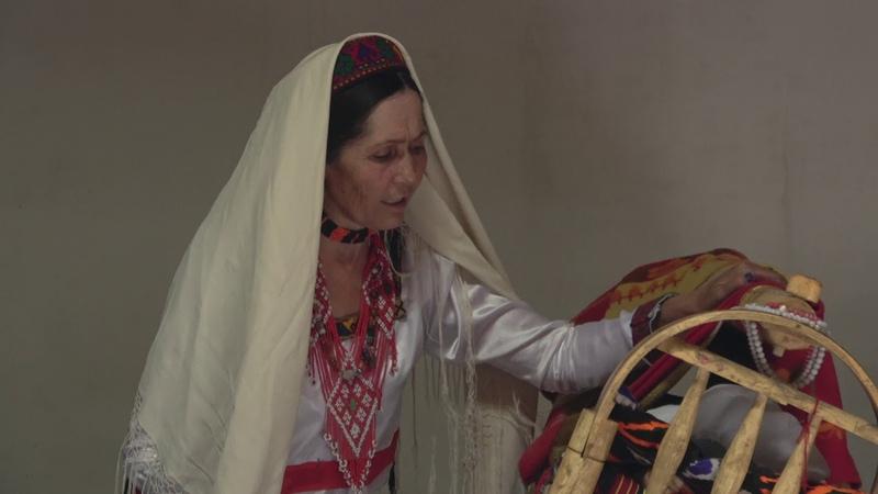 Хиквор лалайик - ваханская колыбельная песня - Wakhi lullaby