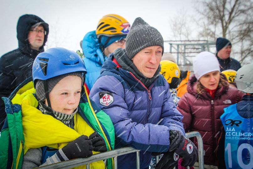 Главные отечественные ледолазные старты сезона финишировали в городе Кирове в минувшие выходные – чемпионат и первенство России по альпинизму. Всем было что доказывать и что терять…, изображение №44