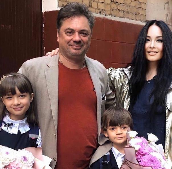 Андрей Леонов поделился семейным снимком! И тут он идеальный...