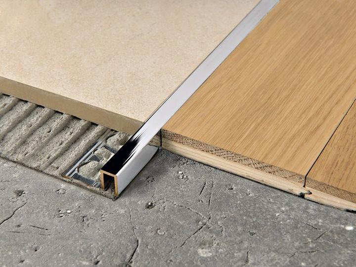 Встретились ламинат и плитка: как состыковать разные материалы на полу без порожка и щелей., изображение №10