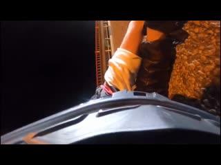 """B Сочи девушка на мото """"зарядилась"""" с авто и улетела с дороги."""