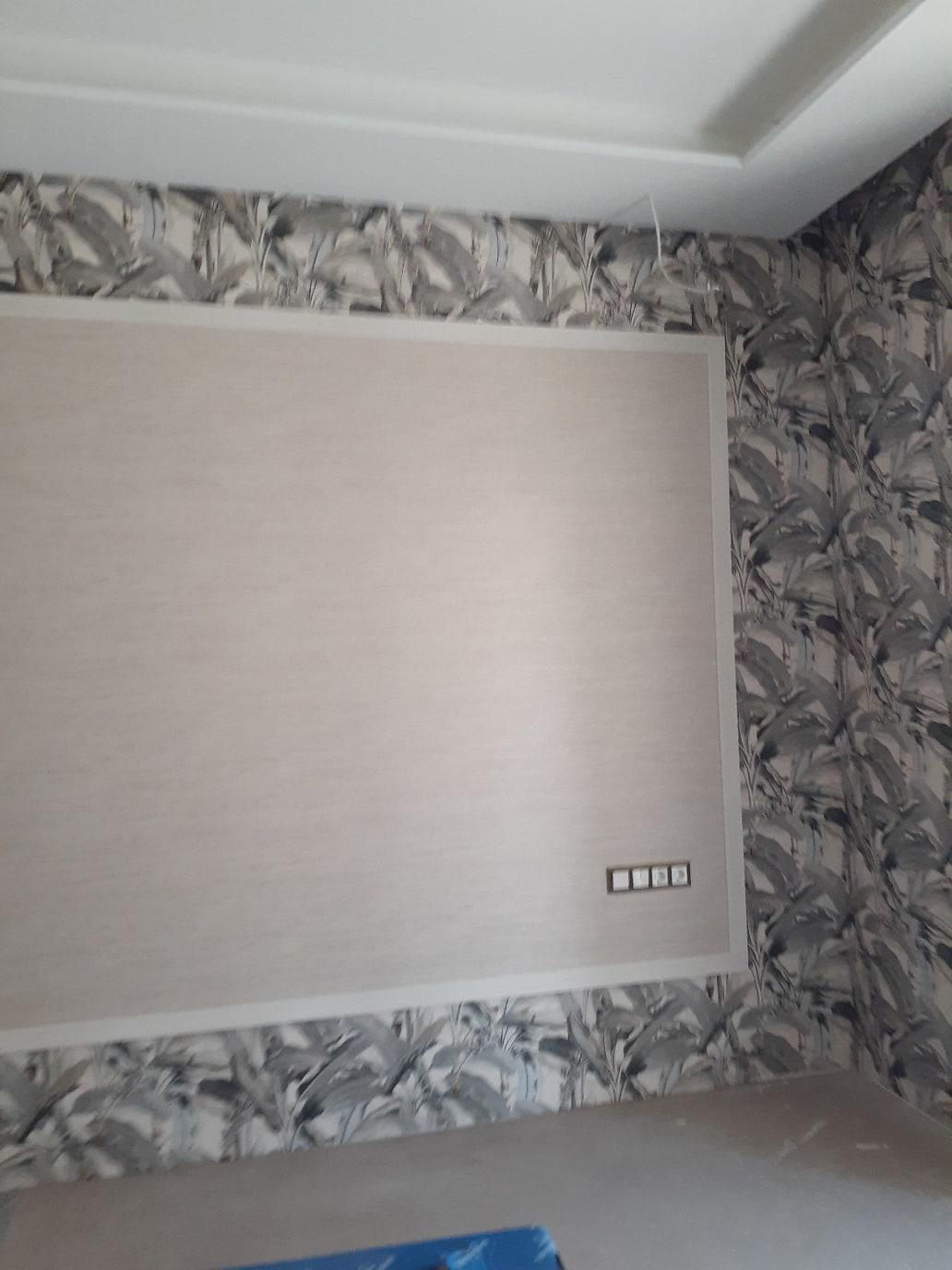 Я мастер профессионал предлагаю свои услуги по поклейку обоев,всех видов и сложности,покраска,выравнивание стен потолков,поклейка потолочных плинтусов.