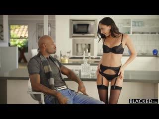 Ariana Marie в чулках [interracial, bbc, big black cock, brunett