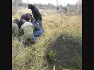 Кадры задержания участников группы ИГ в Татарстане