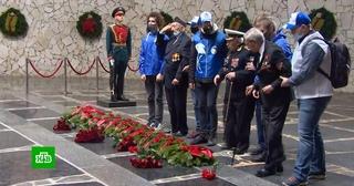 Погибших в битве за Сталинград советских солдат перезахоронили на Мамаевом кургане