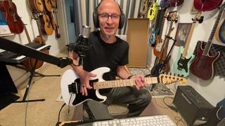 Val Gaina -Unpacking the guitar for my friend's birthday. Распаковка и  заодно поиграл  на Jackson