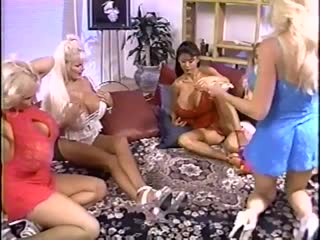Kayla Kleevage, Lisa Lipps, Maxine Monroe, Minka, Treasure Chest - A Vegas Big & Busty Pajama Party (1999) [Big Fake Tits]