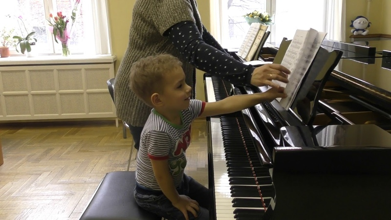07 03 2019 Lesson by Mira Marchenko with Fedya Kutuzov classroom of Central Music School