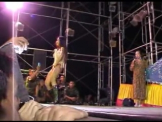 Show girls on stage(ไทย)