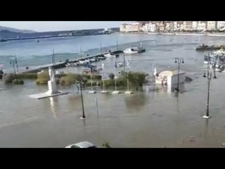 Tsunami hits Greek island of Samos & Turkey after  earthquake🇬🇷🇹🇷October 30 2020 Σάμος τσουνάμι