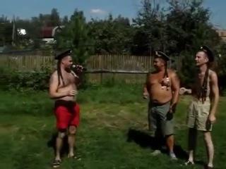 Офигенно поет!!! Рюмка водки !!! День ВМФ