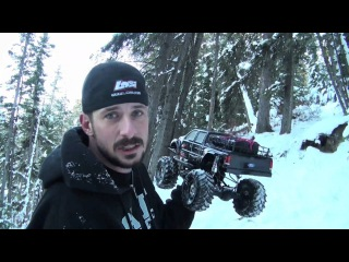 RC ADVENTURES - Never Too Cold To Go Scaling - FORD F-650 Super Duty AXIAL SCX10 4X4
