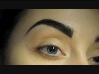 Make-up tutorial: How I fill my eyebrows