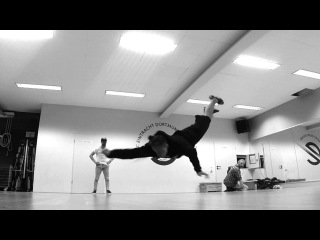PETAIR  - Workout like superman