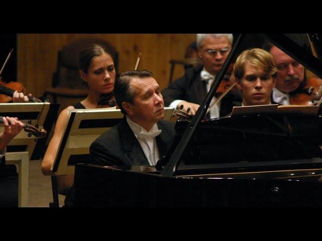 Mikhail Pletnev plays Bach - Harpsichord Concerto No. 5 (Gothenburg, 2005)