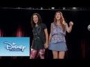 Camila y Naty cantan Encender Nuestra Luz   Momento Musical   Violetta
