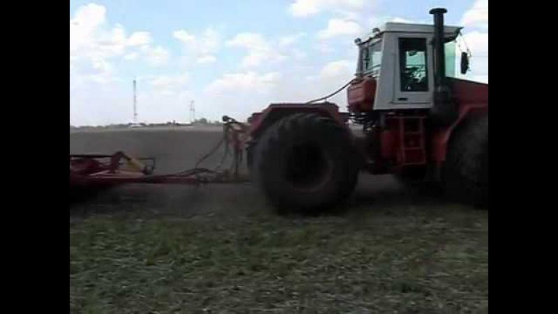Кировец К 744Р3 в работе с орудиями