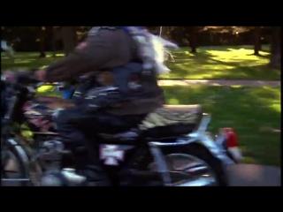 Зед на мотоцикле взбалмошный тип (1986) Полицейская академия 3