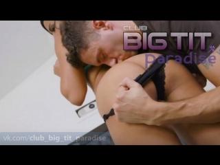 Quinn Coco Big Tits ᶜᶫᵘᵇ