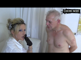 Cherie noir - face slapping with leather gloves
