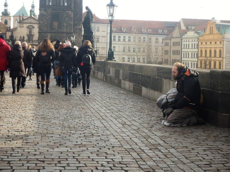 Снимал на Карловом Мосту в Праге
