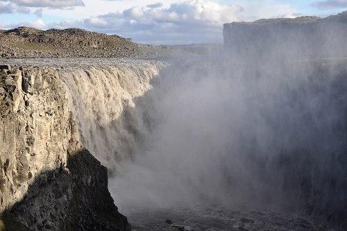 Деттифосс (Dettifoss) — самый мощный водопад в Европе, изображение №3