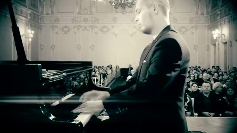 Dmitry Myachin plays Claude Debussy Clair de lune (Suite bergamasque, L. 75)
