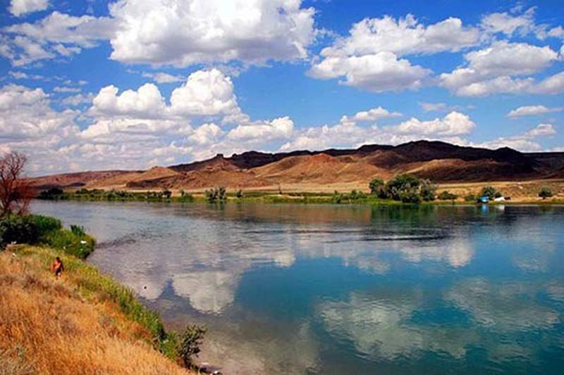 Река Эмель, в которую, по утверждению большевиков, Анненков приказал спустить трупы убитых ярушинцев.