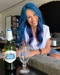 """Pampita on Instagram: """"Disfruta una Stella Artois con logo azul. Doná agua y cambiá vidas. @ #stellabluechallenge"""""""