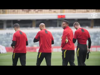 Sit back, relax and marvel at the work behind our tight-knit gk union - - mufc mutour