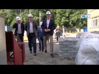 Вице-губернатор ЛО проверил ход работ на особо важных строительных объектах города