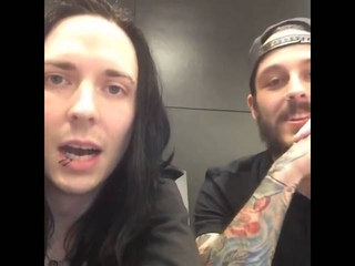 Motionless In White:Vans Warped Tour Q&A with Ricky and Ryan (2016)