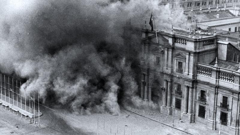 The bombardment of La Moneda Palace - Salvador Allende