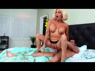 Tara Holiday - My Friends Hot Mom 69 (Соблазнительная Мама Моего Друга 69)
