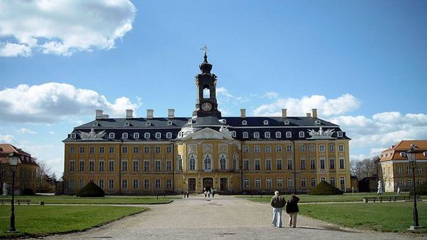 Замок Губертусбург под Дрезденом