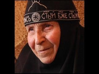 """""""Пасхальная матушка"""". Схимонахиня Рафаила - интервью, отпевание, похороны. Никольское"""