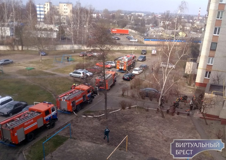 Что за паника на Дубровке, почему столько автомобилей МЧС туда мчится?