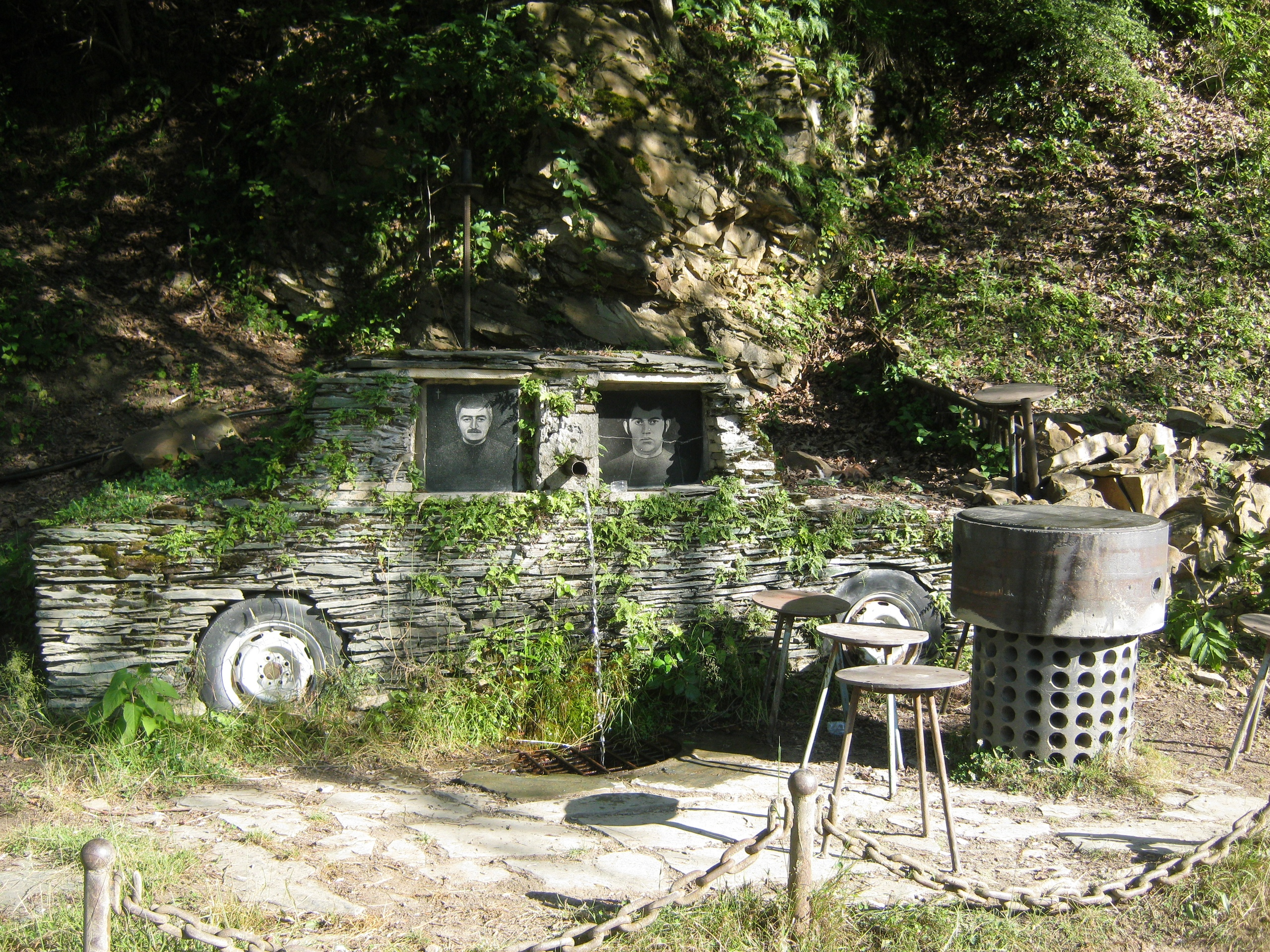 на дороге в глухие горные сёла провинции Рача-Лечхуми