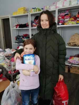 Одинокая мама Кристина, воспитывает двоих деток, дважды получала помощь в Центре.