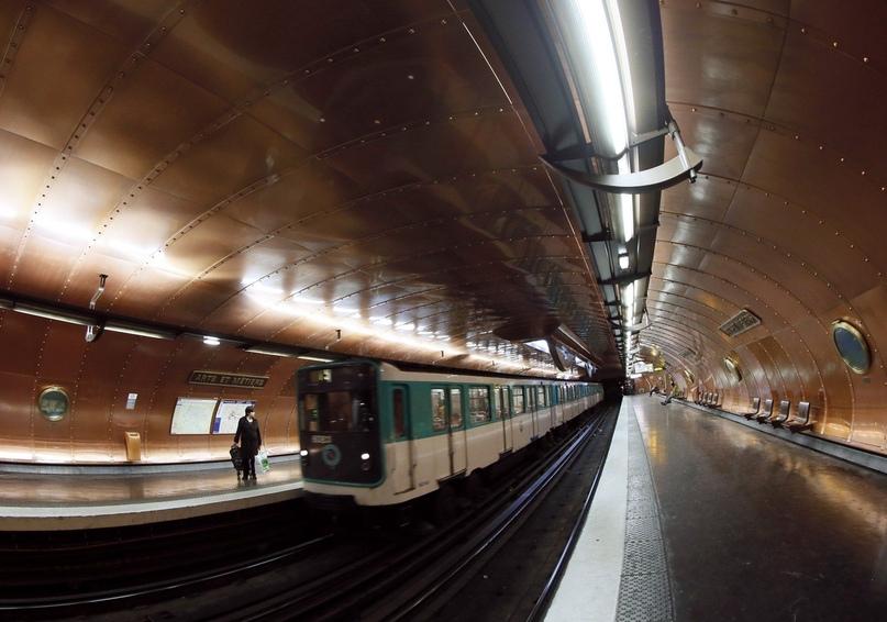 ТОП самых красивых метро, изображение №22