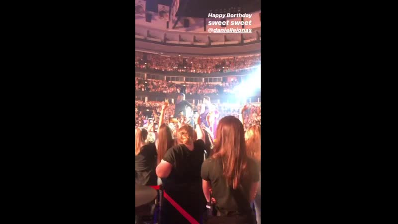 The Jonas Brothers brought Danielle onstage and sang happy birthday to her!.mp4